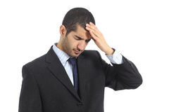 Arabische bedrijfsdiemens met hoofdpijn ongerust wordt gemaakt Royalty-vrije Stock Fotografie