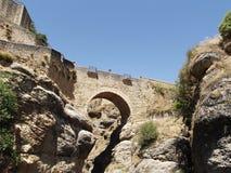 Arabische Brücke in Ronda, Màlaga, Andalusien Stockbild