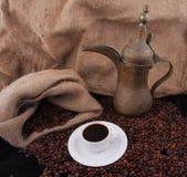 Arabische gebratene Kaffeebohnen Stockfoto