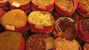 Arabische kruidmarkt stock footage
