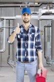 Arabische loodgieter die een duim opgeven Stock Afbeelding