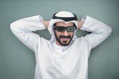 Arabische mens die 3d glazen dragen Royalty-vrije Stock Fotografie