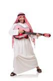 Arabische mens het spelen gitaar Royalty-vrije Stock Afbeelding
