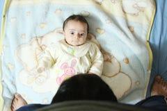 Arabische nieuw - geboren meisje Royalty-vrije Stock Afbeeldingen