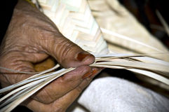 Arabische oude vrouwenambacht Stock Afbeelding