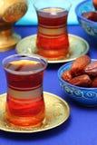 Arabische thee en data Stock Afbeeldingen