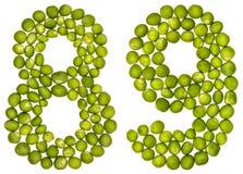Arabische Ziffer 89, neunundachzig, von den grünen Erbsen, lokalisiert auf whi Stockfotografie