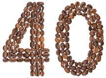 Arabische Ziffer 40, vierzig, von den Kaffeebohnen, lokalisiert auf weißem b stockbild