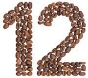 Arabische Ziffer 12, zwölf, von den Kaffeebohnen, lokalisiert auf Weiß Lizenzfreie Stockfotos