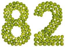 Arabische Ziffer 82, zweiundachzig, von den grünen Erbsen, lokalisiert auf Whit Stockfoto