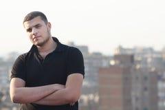 Arabisches ägyptisches junges Geschäftsmanndenken Stockbilder