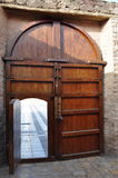Arabisches Erbe-hölzerne Tür stockbild