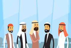 Arabisches Geschäftslokal arabischer Leute-Geschäftsmann-Group Traditional Clothess Stockfotos