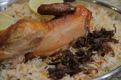 Arabisches Huhn Mandi stockbilder