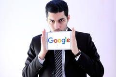 Arabisk affärsman med Google Arkivbild