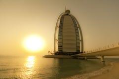 arabisk burjsolnedgång för al Arkivfoton