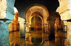 Arabisk cistern, behållare för underjordiskt vatten, Caceres, Extremadura, Spanien Royaltyfri Bild