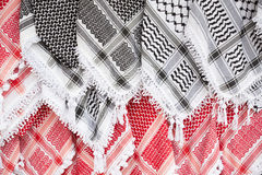 Arabisk halsduk, keffiyehtexturbakgrund Arkivbilder