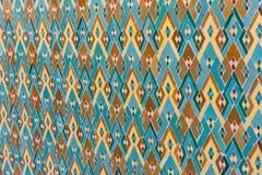 Arabisk islamisk mosaikvägg med muslimprydnadar Arkivbilder