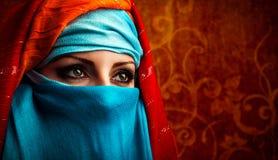 Arabisk kvinna Fotografering för Bildbyråer