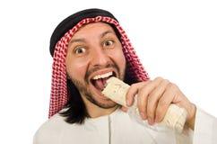 Arabisk man som gå i ax sjalen som isoleras på vit Royaltyfri Fotografi