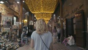 Arabisk marknad i UAE Orientalisk kryddamarknad stock video