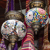 Arabiska lampor, orientaliska traditionella souvenir Royaltyfri Bild