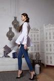 Arabiska Marocko för stil för härligt sexigt kvinnabrunetthår östlig Royaltyfria Bilder
