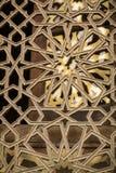 Arabiskt islamiskt modellbakgrundsfönster av moskén Arkivbild