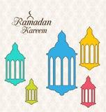 Arabiskt kort för Ramadan Kareem med färgrika lampor Fanoos royaltyfri illustrationer