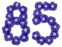 Arabiskt tal 85, femtiofem, från blåa blommor av lin, isola Royaltyfria Foton