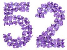 Arabiskt tal 52, femtiotvå, från blommor av altfiolen som isoleras på Royaltyfria Foton