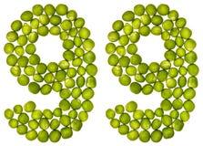 Arabiskt tal 99, nittionio, från gröna ärtor som isoleras på whi Royaltyfri Bild