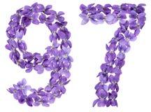 Arabiskt tal 97, nittiosju, från blommor av altfiolen som isoleras Fotografering för Bildbyråer