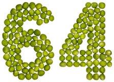 Arabiskt tal 64, sextiofyra, från gröna ärtor som isoleras på whit Arkivfoton