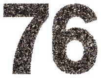 Arabiskt tal 76, sjuttiosex, från svart ett naturligt kol, I Royaltyfria Foton
