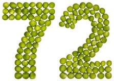 Arabiskt tal 72, sjuttiotvå, från gröna ärtor som isoleras på whi Arkivbild