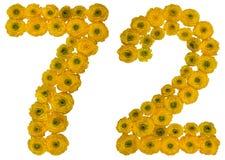 Arabiskt tal 72, sjuttiotvå, från gula blommor av smörblomman Royaltyfria Foton