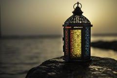 Arabska blask świecy lampa obraz stock