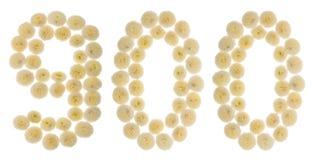 Arabski liczebnik 900, dziewiećset, od kremowych kwiatów chrysant Obraz Royalty Free