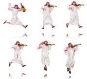 Arabski mężczyzna bawić się violing na bielu Obraz Royalty Free