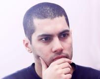 Arabski młody egipski biznesmena główkowanie Fotografia Royalty Free