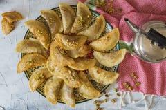 Arabski Tradycyjny deserowy Qatayef lub Atayef zdjęcie royalty free