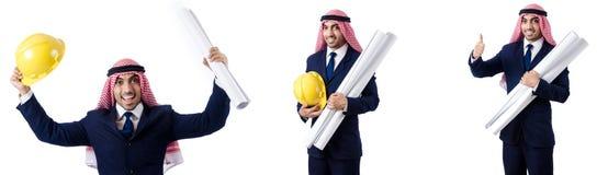 Arabski inżynier z rysunkami na bielu Fotografia Stock