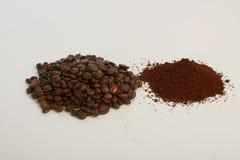 arabskich fasoli kawowa zmielona makro- strzału tekstura dwa Obraz Stock