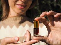 Arabskie oud attar agarwood lub pachnidła nafciane wonie w mini butelce Obrazy Royalty Free