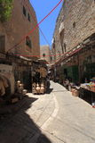 ArabSouk gata i den gamla staden av Hebron arkivbild