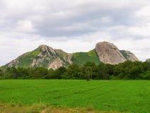 Arachide del paesaggio archivata con la montagna Fotografie Stock