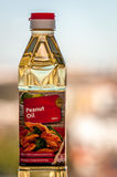 Arachideolie in plastic fles Royalty-vrije Stock Foto