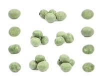 Arachidi ricoperte wasabi verde isolate Fotografia Stock
